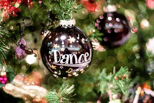 christmas-ornament-1820126__340
